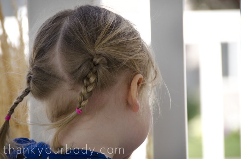 All natural homemade hairspray. I never knew it was so easy!